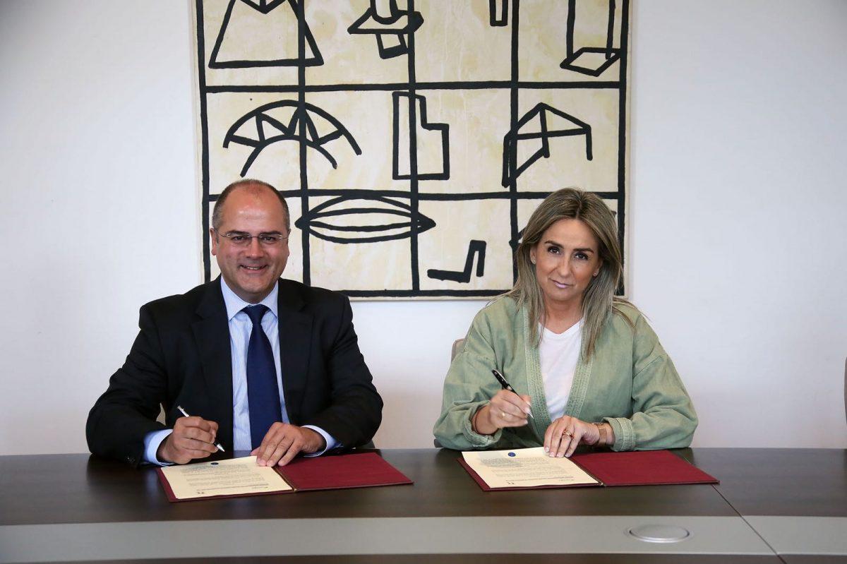 http://www.toledo.es/wp-content/uploads/2018/05/milagros-tolon_convenio-cultural-nedgia-1200x799.jpeg. Milagros Tolón renueva con Negdia Castilla-La Mancha el convenio de colaboración y fomento de la cultura del Teatro de Rojas