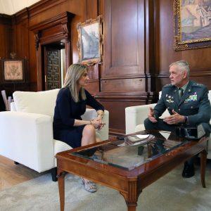 La alcaldesa se reúne con el jefe de la Guardia Civil en Castilla-La Mancha para repasar y establecer líneas de colaboración