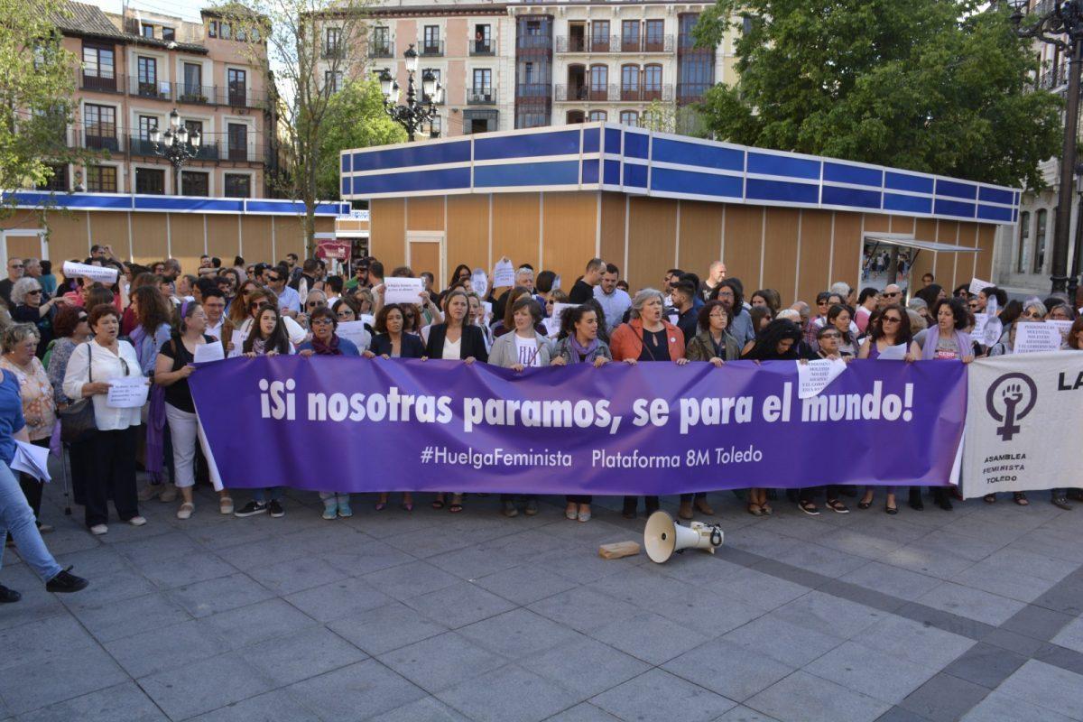 https://www.toledo.es/wp-content/uploads/2018/05/movilizacion-feminista-16-05-2018-00-1200x800-1200x800.jpg. El Gobierno se suma a la movilización feminista para que se dote de presupuesto el Pacto de Estado contra la Violencia de Género