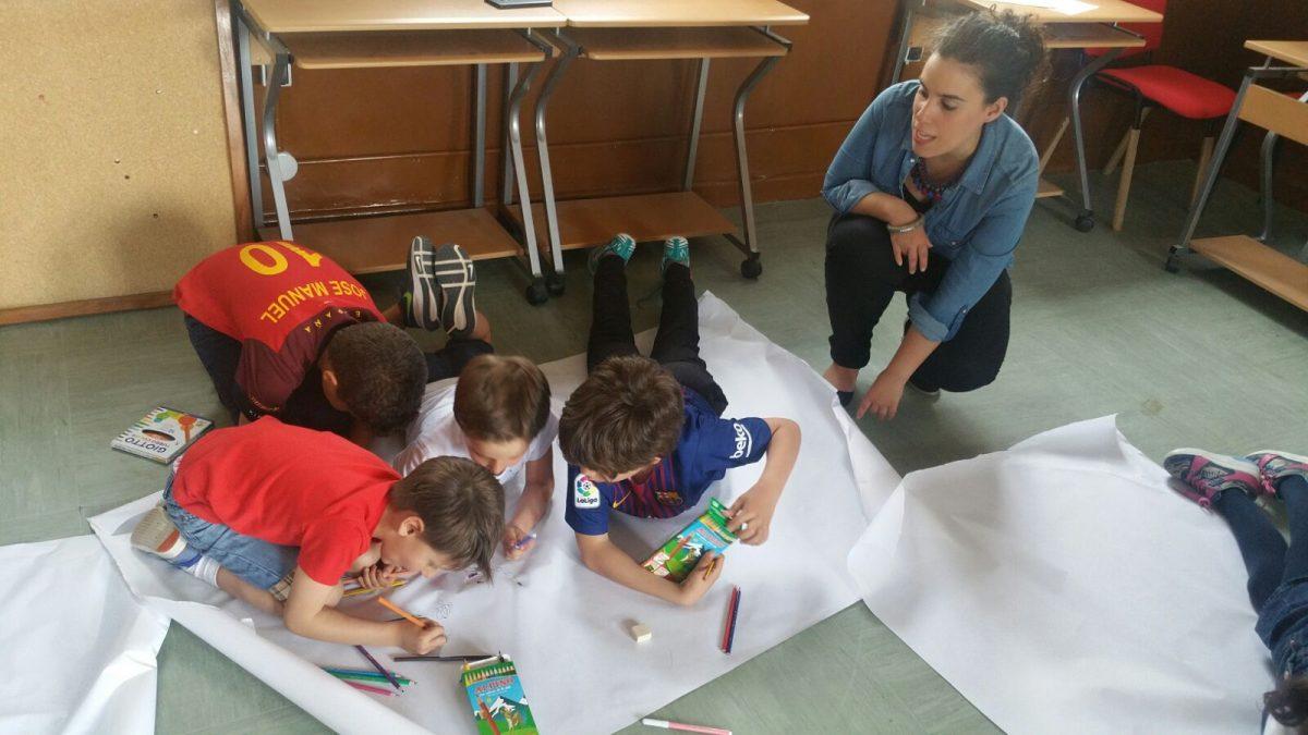 http://www.toledo.es/wp-content/uploads/2018/05/taller_igualdad03-1200x675.jpeg. 'Científicos y científicas alienígenas', nuevo taller de la Escuela Toledana de Igualdad en las antiguas escuelas de Azucaica