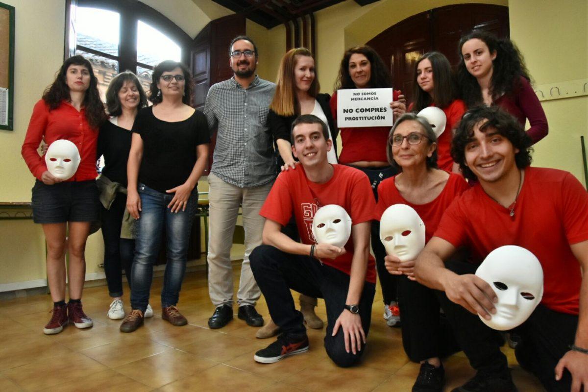 http://www.toledo.es/wp-content/uploads/2018/05/violenciagenerojuventud-1200x800.jpeg. El Ayuntamiento clausura los Talleres Acciones de Calle contra la Violencia de Género celebrados el mes de mayo en Matadero Lab