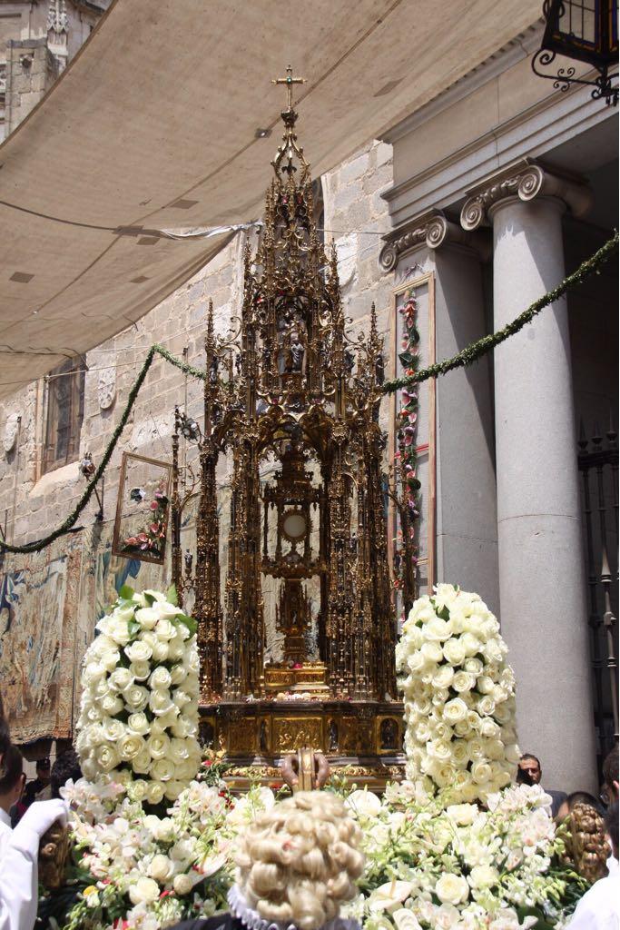 https://www.toledo.es/wp-content/uploads/2018/05/whatsapp-image-2018-05-15-at-11.55.35.jpeg. El próximo 21 de mayo salen a la venta las sillas de la procesión del Corpus en la Casa del Mapa y en Internet