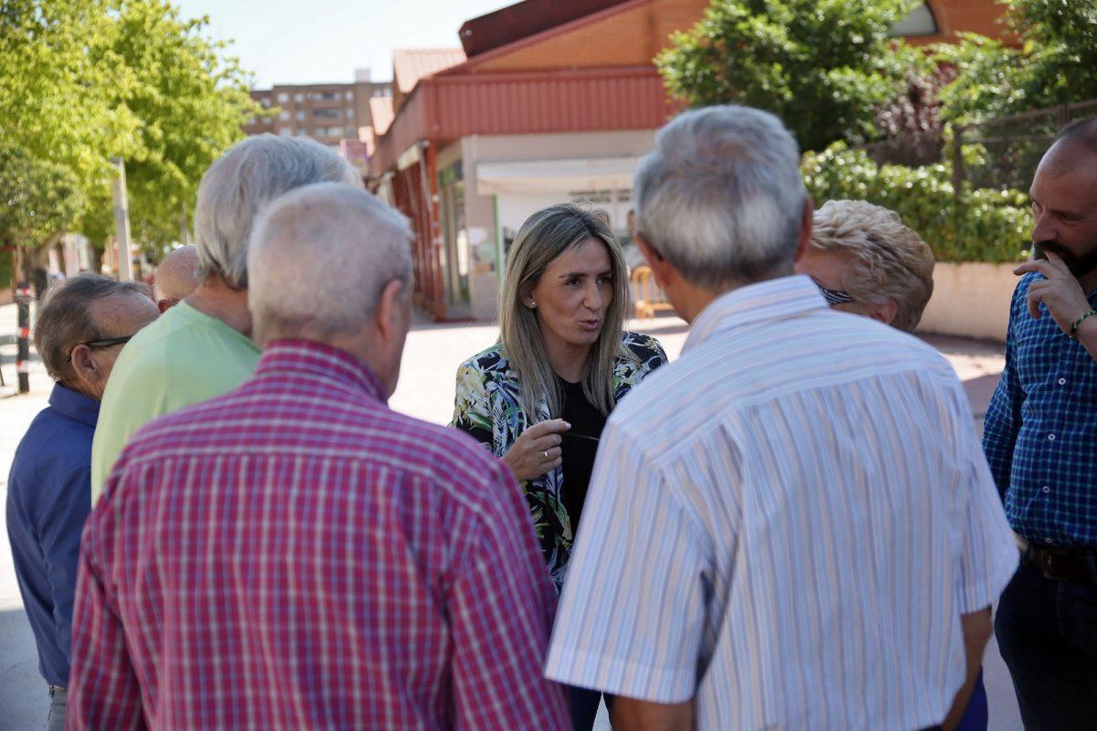 La alcaldesa anuncia mejoras en el entorno del recinto deportivo del Polígono y en Manuel Machado y más arreglos en la Biblioteca
