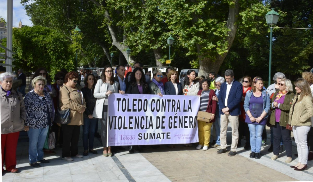 http://www.toledo.es/wp-content/uploads/2018/06/concentracion_violencia_machista-01-1200x699-1-1200x699.jpg. El Consejo Local de la Mujer alienta a las víctimas a denunciar su situación para salir del círculo de sufrimiento que padecen