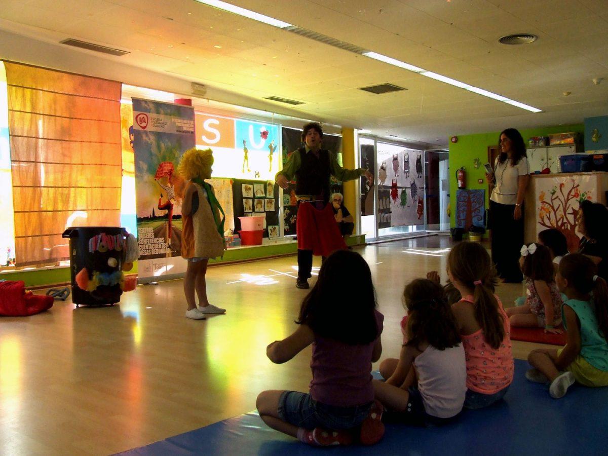 http://www.toledo.es/wp-content/uploads/2018/06/cuentacuentos01-1-1200x900.jpg. El Consistorio apoya la diversidad sexual con una exposición y un cuentacuentos de la Escuela de Igualdad en el Polígono