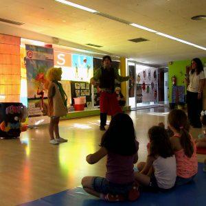 l Consistorio apoya la diversidad sexual con una exposición y un cuentacuentos de la Escuela de Igualdad en el Polígono