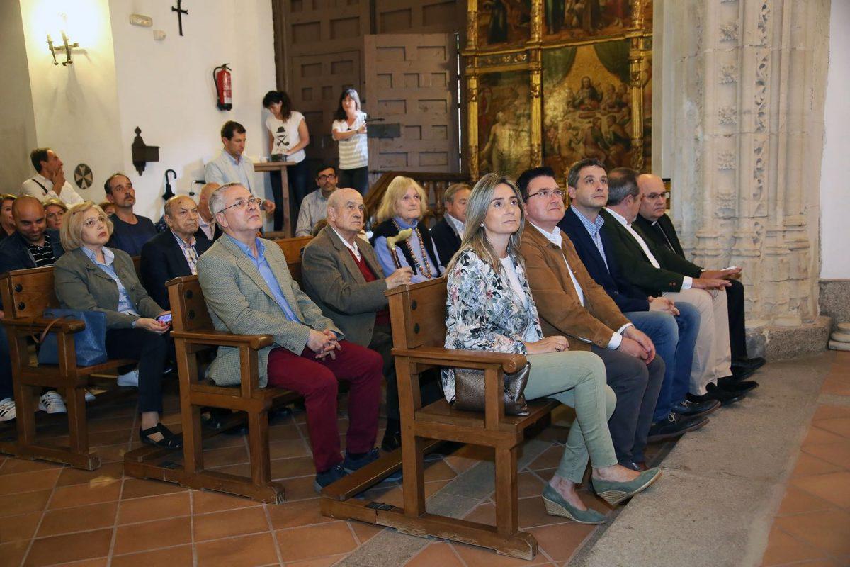 La alcaldesa asiste a la presentación del libro 'El enigma de la espada  de San Pablo', primera obra del periodista e investigador toledano  Francisco José Rodríguez