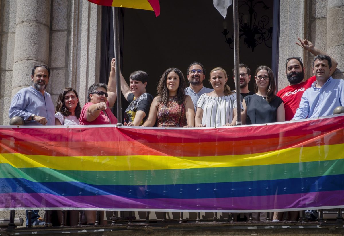 http://www.toledo.es/wp-content/uploads/2018/06/jp25859-1-1200x823.jpg. El Ayuntamiento impulsa la celebración de Toledo Entiende 2018 en su compromiso con los derechos del colectivo LGTBI