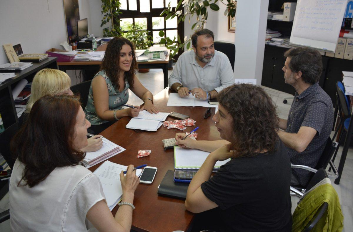 La Mesa Municipal de Apoyo a los Refugiados acuerda establecer un protocolo de actuación para refugiados en segunda fase