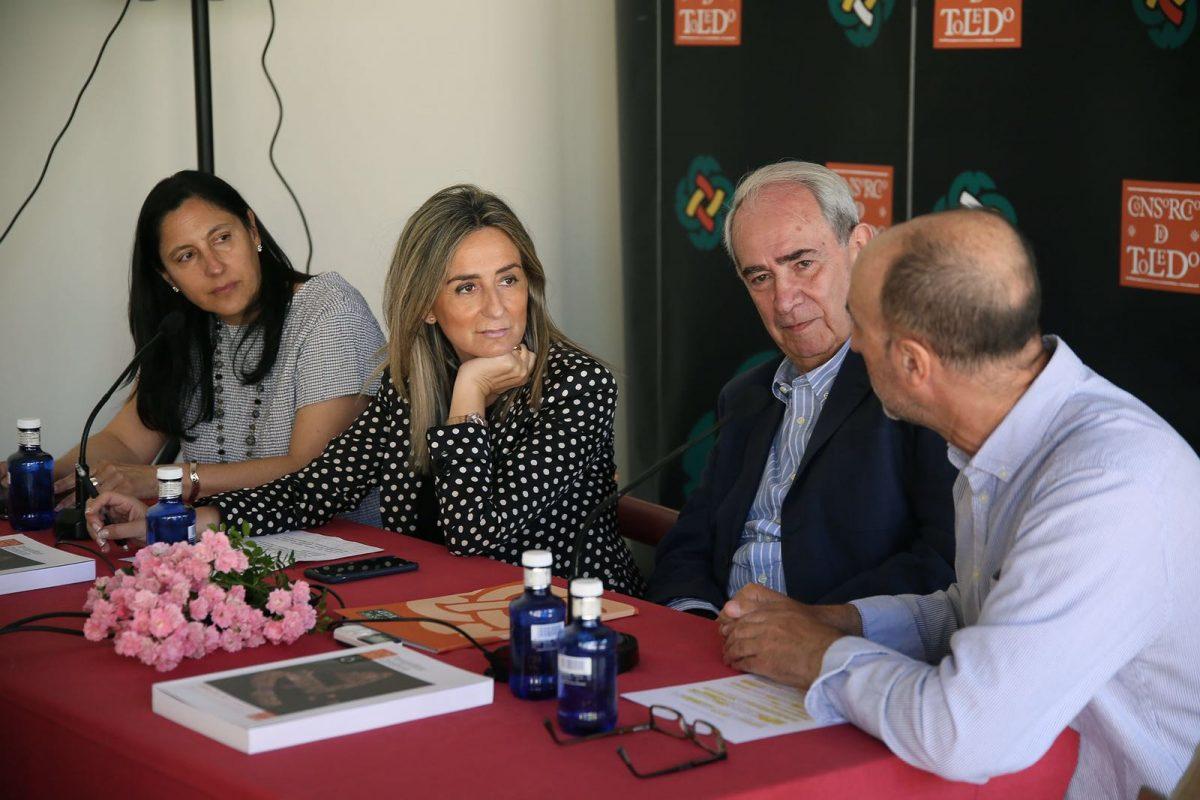 Milagros Tolón destaca la divulgación del patrimonio que realiza el Consorcio con publicaciones como el estudio del Cerro del Bú