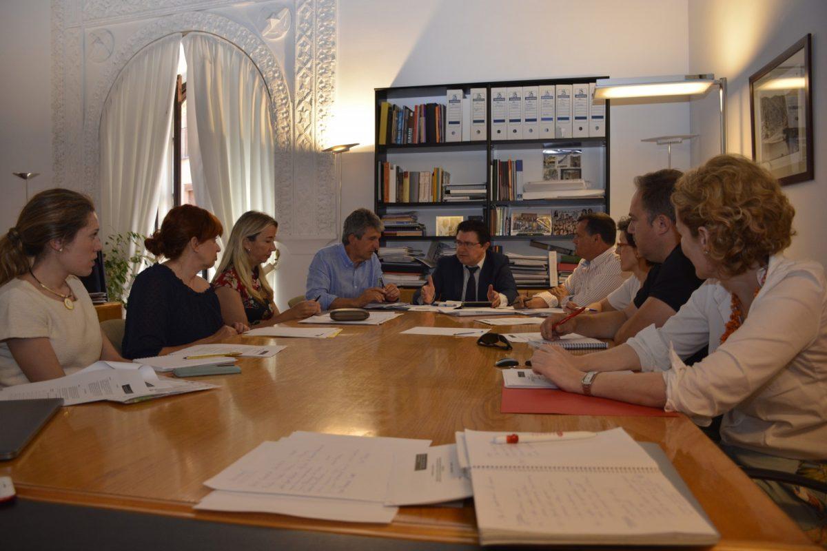 http://www.toledo.es/wp-content/uploads/2018/06/promocion-economica_2-1200x800.jpg. Los agentes sociales valoran las medidas del Gobierno local para incentivar la implantación de empresas y la promoción económica