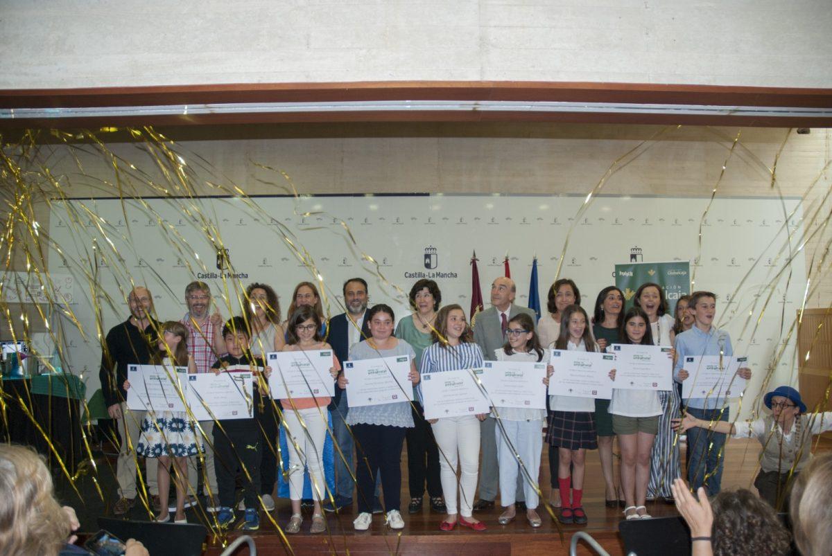 http://www.toledo.es/wp-content/uploads/2018/06/sth-foto-de-familia-aa-1200x803.jpg. El Ayuntamiento participa en la entrega de premios de la primera edición del certamen de relato infantil 'Sueña tu horizonte'