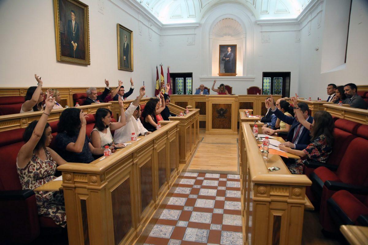 http://www.toledo.es/wp-content/uploads/2018/07/06_debate_ciudad_2_parte-1-1200x800.jpg. El Debate del Estado de Municipio se cierra con la aprobación de 35 propuestas de resolución para mejorar la ciudad