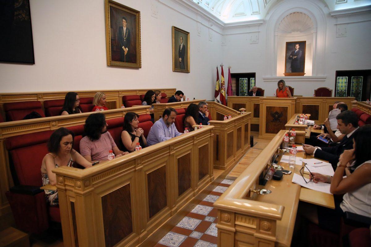http://www.toledo.es/wp-content/uploads/2018/07/25_debate_estado_ciudad-1200x800.jpg. Toledo refuerza sus políticas sociales para ampliar el número de personas atendidas y ofrecer un mejor servicio