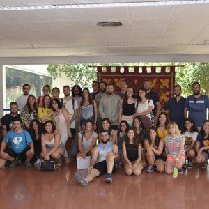 Jóvenes voluntarios de diferentes puntos de España participan en el programa de intervención comunitaria del Polígono durante julio