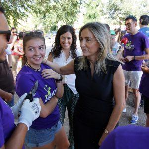 """La alcaldesa valora el """"ejemplo y el compromiso"""" de los jóvenes que participan como voluntarios en la limpieza del Circo Romano"""