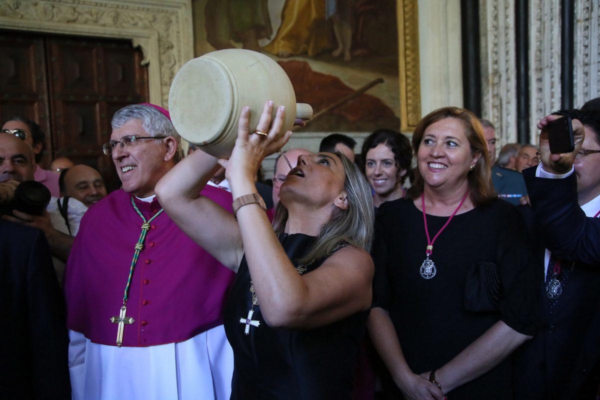 La alcaldesa felicita a los toledanos y a las toledanas en el día de la patrona de Toledo y les anima a renovar las tradiciones