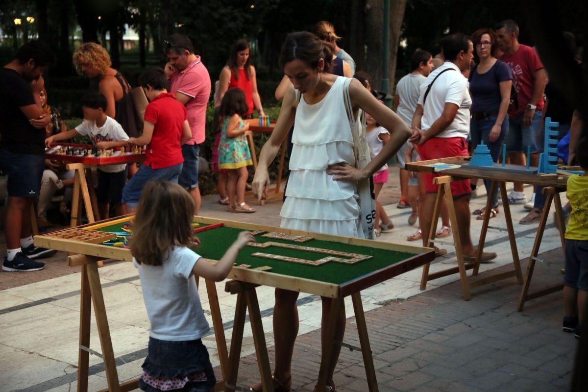 https://www.toledo.es/wp-content/uploads/2018/08/756a0077-1200x800.jpg. Gran afluencia de público en los 'Juegos Desconectados', una iniciativa que acogerá de nuevo La Vega este jueves y viernes
