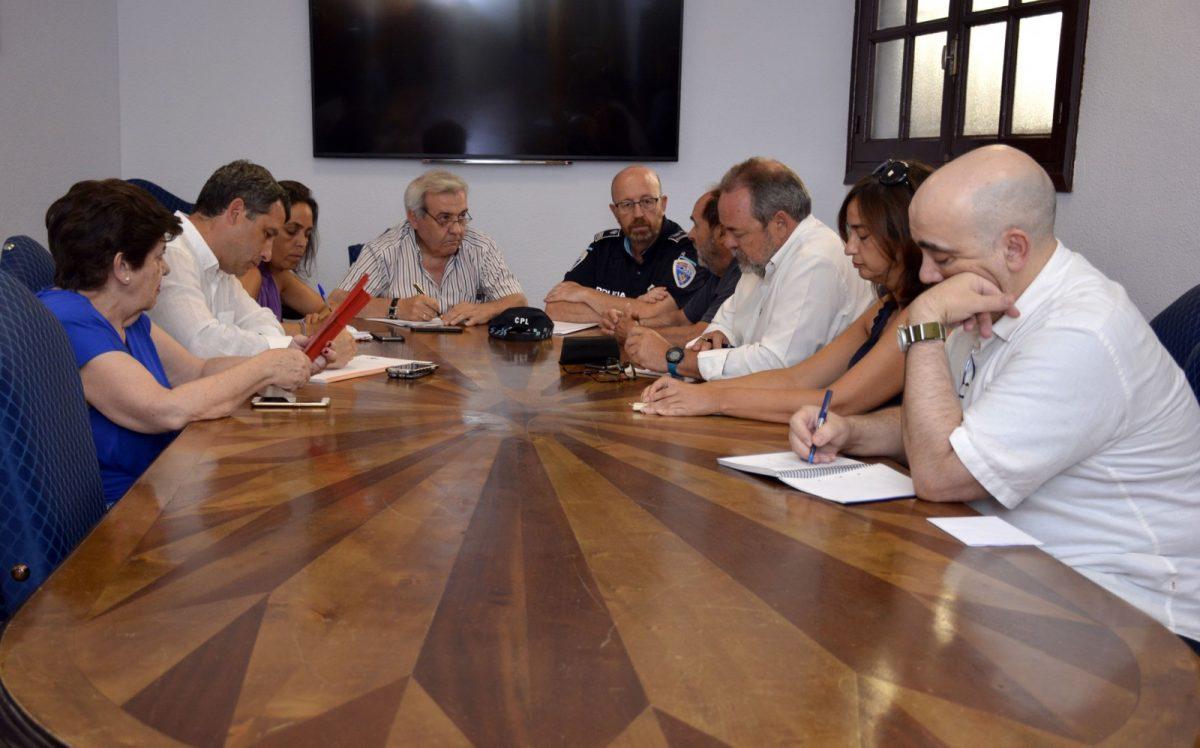 http://www.toledo.es/wp-content/uploads/2018/08/reunion_consejo_casco-1200x748.jpg. El Consejo de Participación del Casco Histórico aborda la movilidad en el entorno de la Puerta del Cambrón