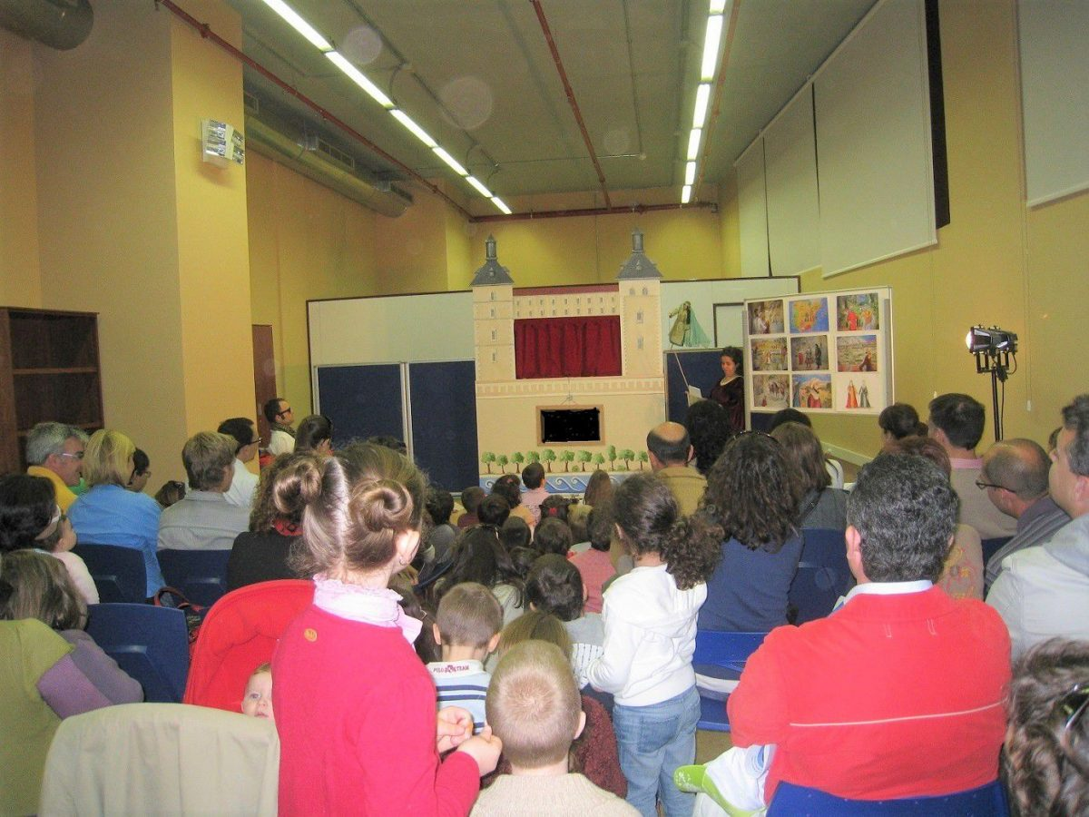 "http://www.toledo.es/wp-content/uploads/2018/08/teatro-de-guinol-1200x900.jpg. TEATRO DE GUIÑOL: ""Una historia de Visigodos"""