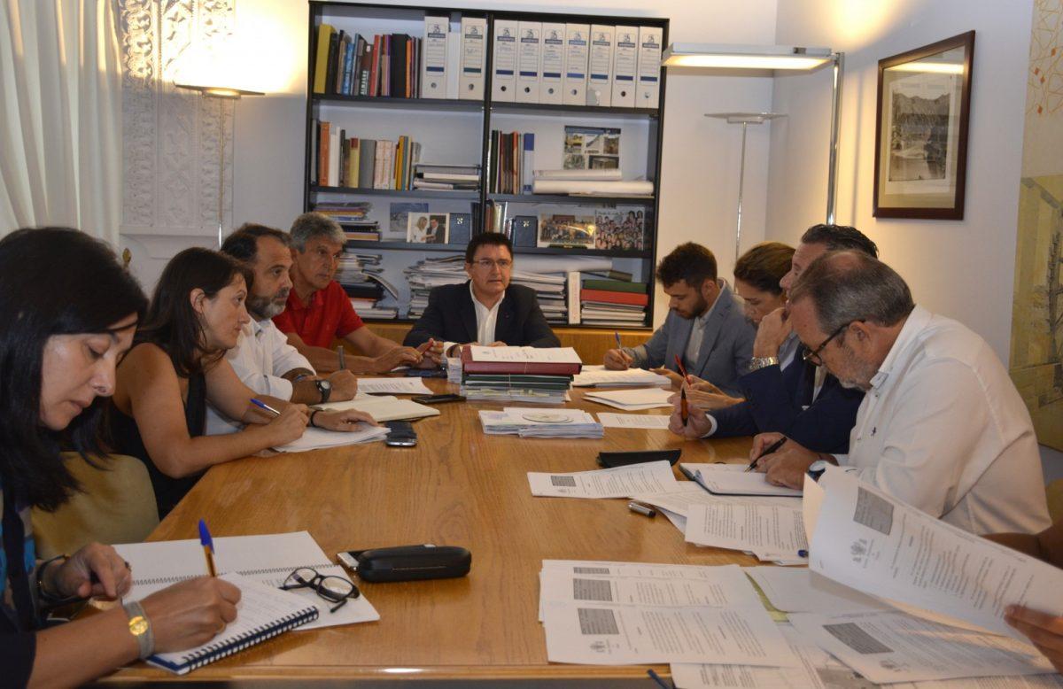 http://www.toledo.es/wp-content/uploads/2018/09/01-comision-de-urbanismo-1200x778.jpg. El Ayuntamiento realizará un estudio sobre el impacto de los apartamentos de uso turístico en la ciudad