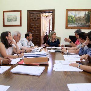 a Junta de Gobierno Local adjudica las obras de mejora del entorno de la pista de atletismo del Polígono