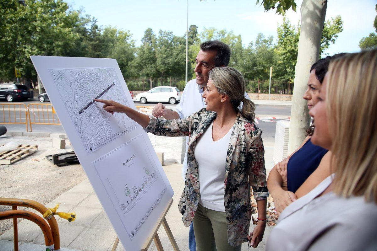 La alcaldesa destaca la inversión de casi un millón de euros que va a completar el Ayuntamiento en la Reconquista y adyacentes