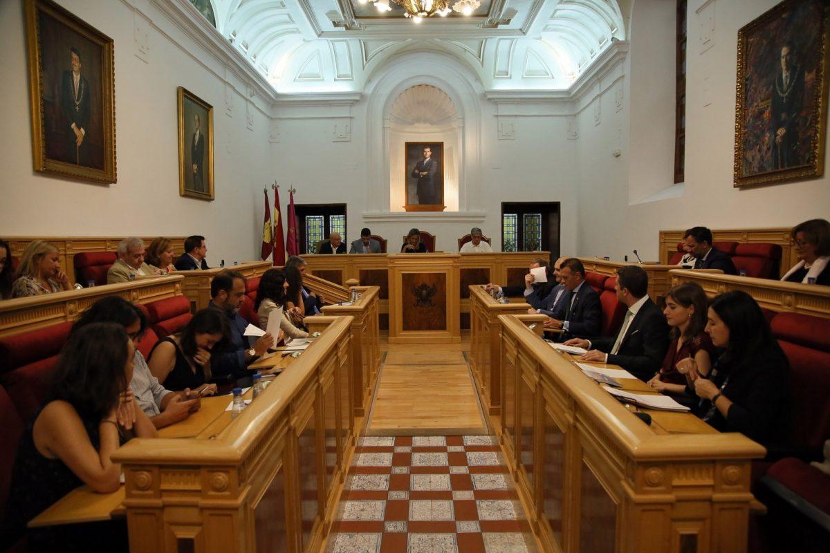 http://www.toledo.es/wp-content/uploads/2018/09/04_pleno_municipal-1200x800.jpg. El Pleno aprueba emprender acciones políticas y legales para impedir nuevas derivadas del trasvase Tajo-Segura