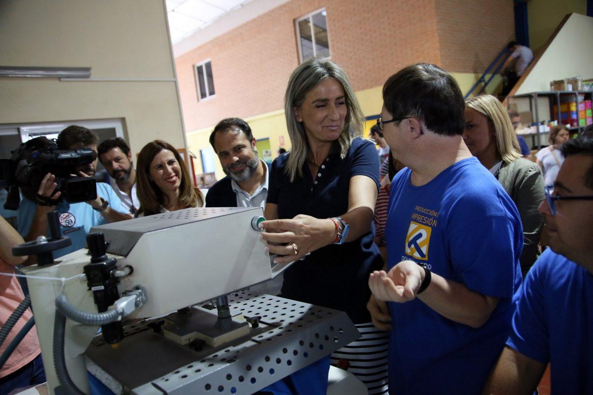 https://www.toledo.es/wp-content/uploads/2018/09/08_presentacion_cross_down-1200x800.jpg. La alcaldesa traslada su apoyo a Down Toledo y a su ya tradicional Carrera Solidaria que se celebrará el 23 de septiembre