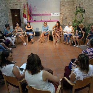 ntidades y asociaciones mantienen un encuentro para centrar los actos del Día Internacional contra la Violencia Machista del 25N