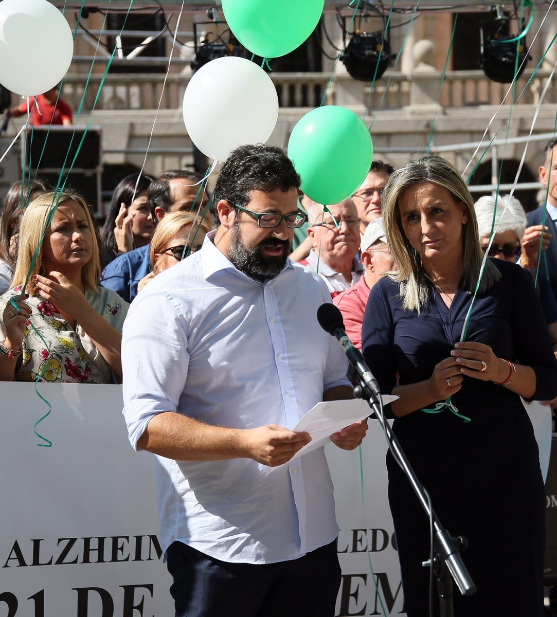 El Ayuntamiento respalda la suelta de globos de AFA por el Día Mundial del Alzheimer que reclama más sensibilidad y avances