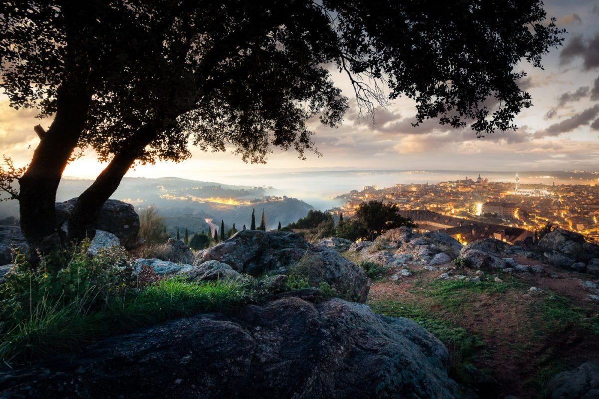 https://www.toledo.es/wp-content/uploads/2018/09/grupo-0-img_4401-editar_img_4406-editar-4-images-editar-1200x800.jpg. Sunset Wine