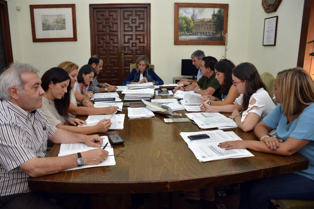https://www.toledo.es/wp-content/uploads/2018/09/junta_gobierno2-1200x800.jpg. El Gobierno municipal da el visto bueno a inversiones y obras por valor de 600.000 euros