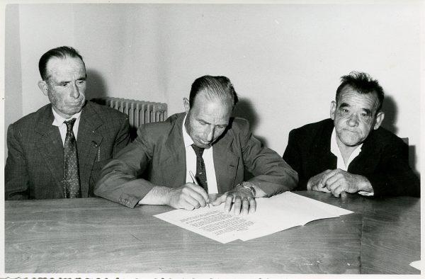 MMH-017-Acto de firma del convenio colectivo de la Construcción en el edificio de Sindicatos_1961 - Fot Flores