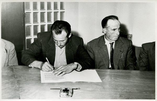 MMH-018-Acto de firma del convenio colectivo de la Construcción en el edificio de Sindicatos_1961 - Fot Flores