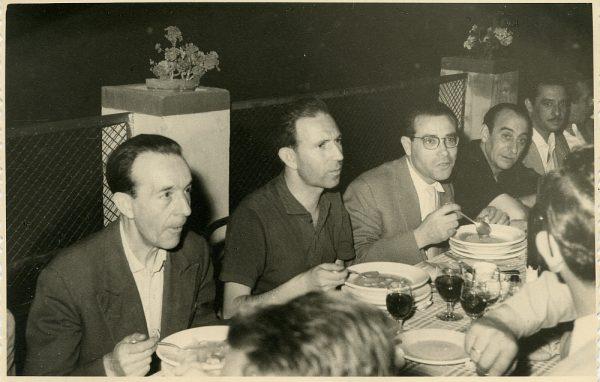 MMH-029-Firma del convenio colectivo de la Construcción en el restaurante Chirón_15-07-1961 - Fot Flores