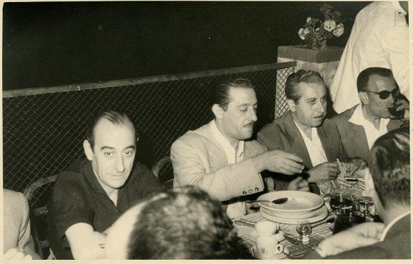 MMH-033-Firma del convenio colectivo de la Construcción en el restaurante Chirón_15-07-1961 - Fot Flores
