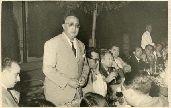 MMH-035-Firma del convenio colectivo de la Construcción en el restaurante Chirón_15-07-1961 - Fot Flores