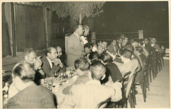 MMH-037-Firma del convenio colectivo de la Construcción en el restaurante Chirón_15-07-1961 - Fot Flores