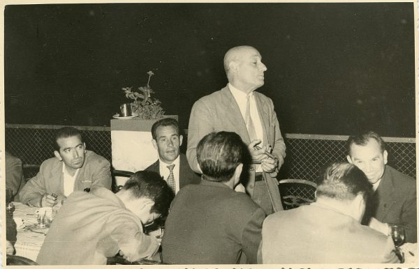 MMH-039-Firma del convenio colectivo de la Construcción en el restaurante Chirón_15-07-1961 - Fot Flores