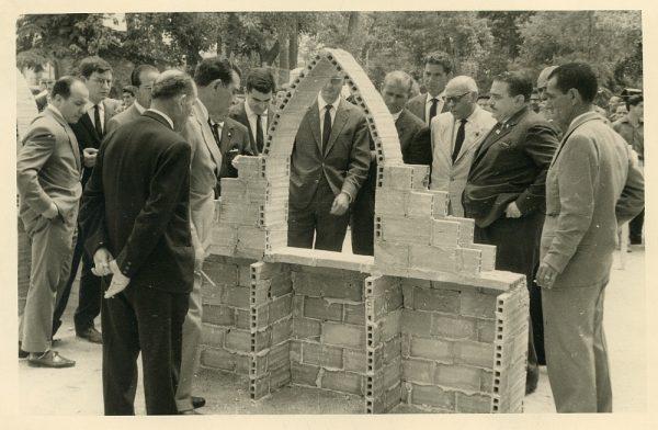 MMH-041_2-XI Concurso provincial de Albañilería en Paseo de Merchán_1964 - Fot Flores