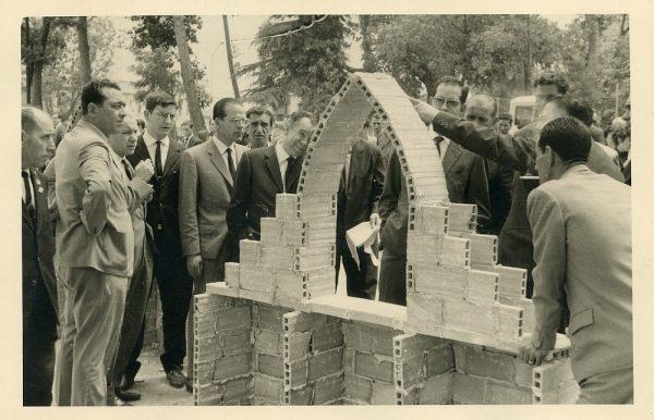 MMH-043-XI Concurso provincial de Albañilería en Paseo de Merchán_1964 - Fot Flores
