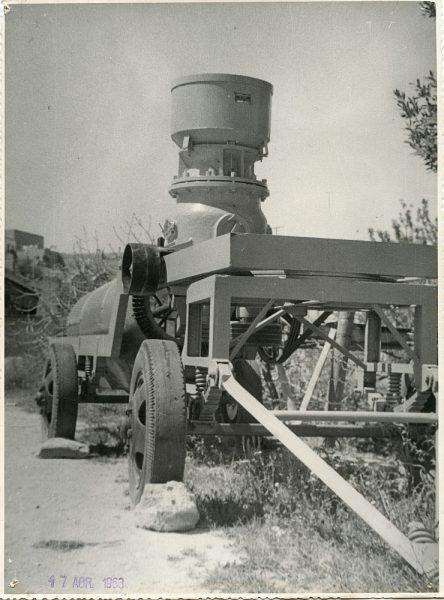 MMH-056-Maquinaria de construcción_17-04-1963