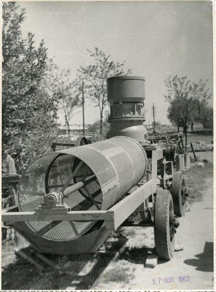 MMH-057-Maquinaria de construcción_17-04-1963