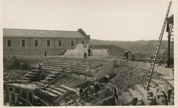 MMH-067-Obras en la plaza de toros de Toledo_1955