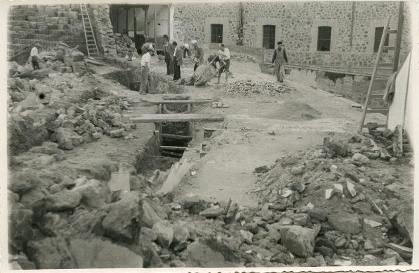 MMH-070-Obras en la plaza de toros de Toledo_1955 - Fot Alfonso