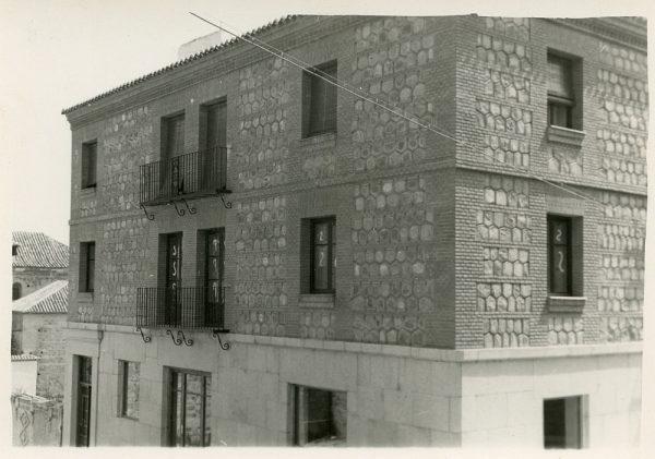 MMH-074-Construcción de edificio en calle Cervantes 3 y 5_ca 1956