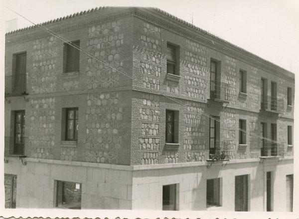 MMH-075-Construcción de edificio en calle Cervantes 3 y 5_ca 1956
