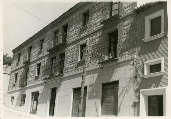 MMH-076-Construcción de edificio en calle Cervantes 3 y 5_ca 1956