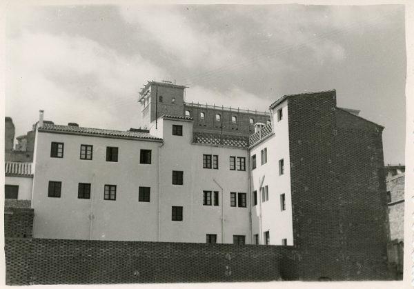 MMH-077-Construcción de edificio en calle Cervantes 3 y 5_ca 1956
